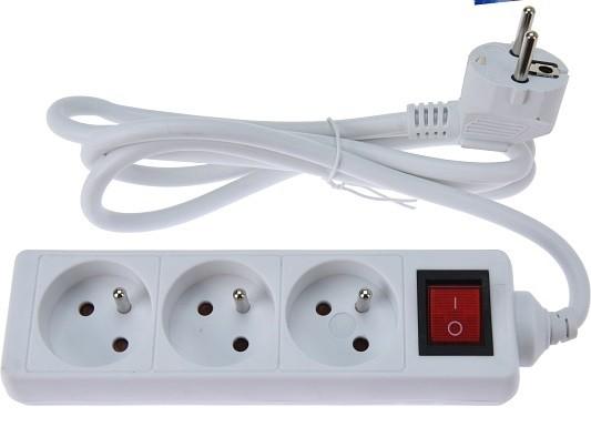 Prodlužovací kabel 3 zásuvky s vypínačem 1,5 m